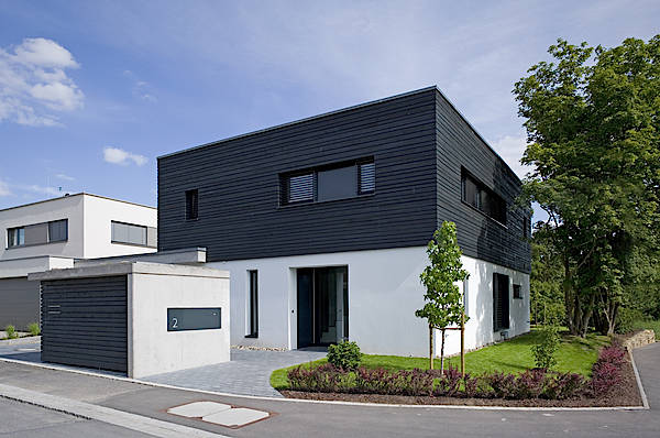 wohnhaus mit garage in w rzburg. Black Bedroom Furniture Sets. Home Design Ideas